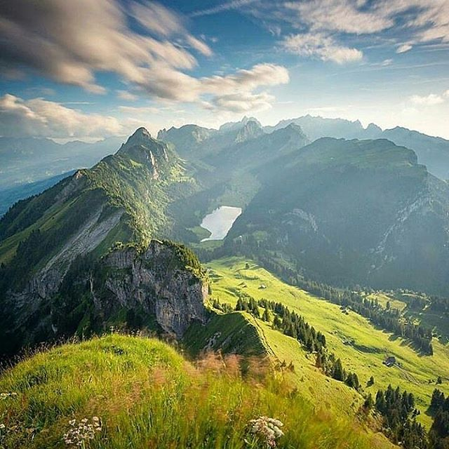 Travel Scenery: 5 Best Natural Scenery Destinations In The World